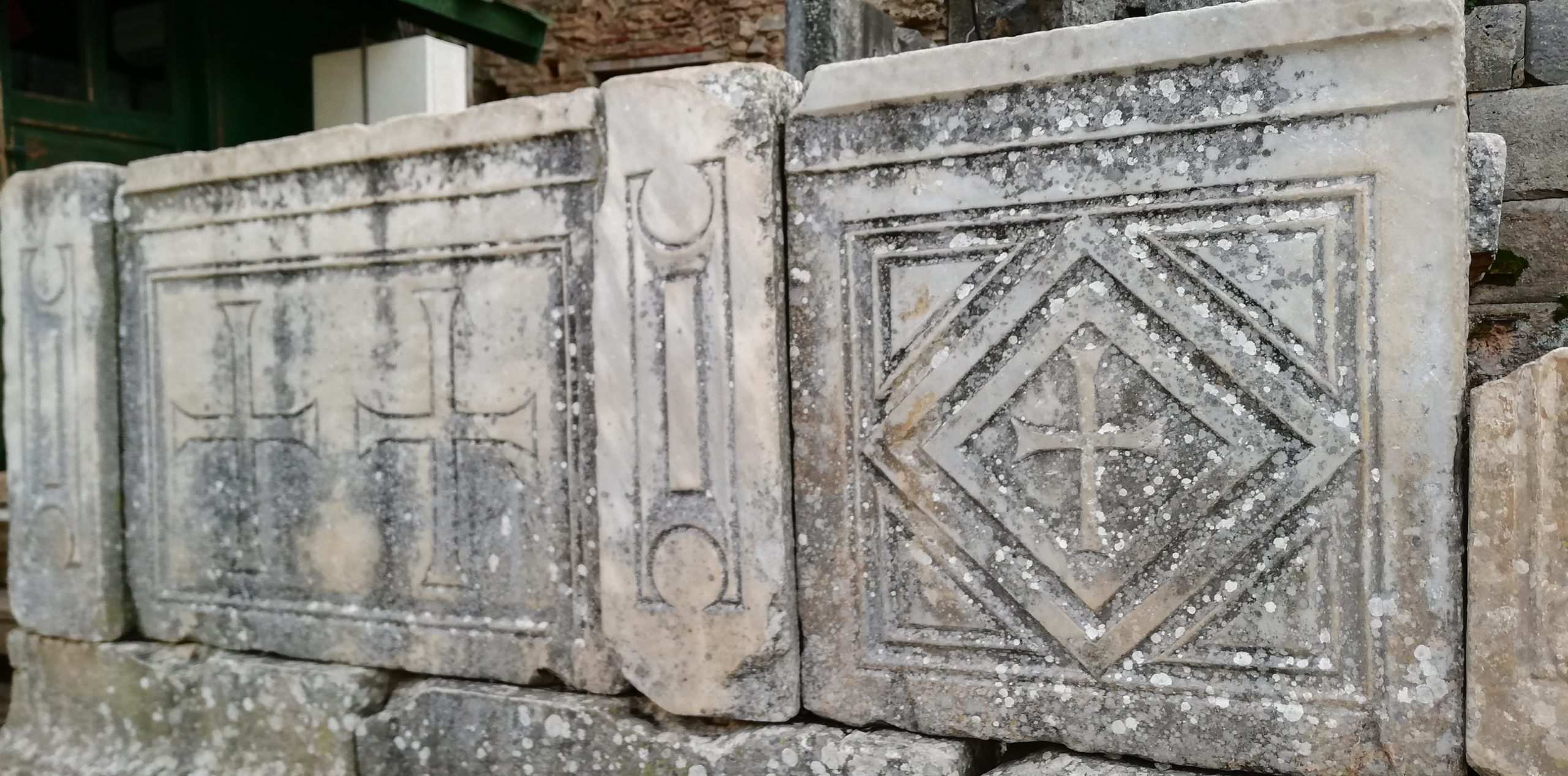 Crosses Ephesus