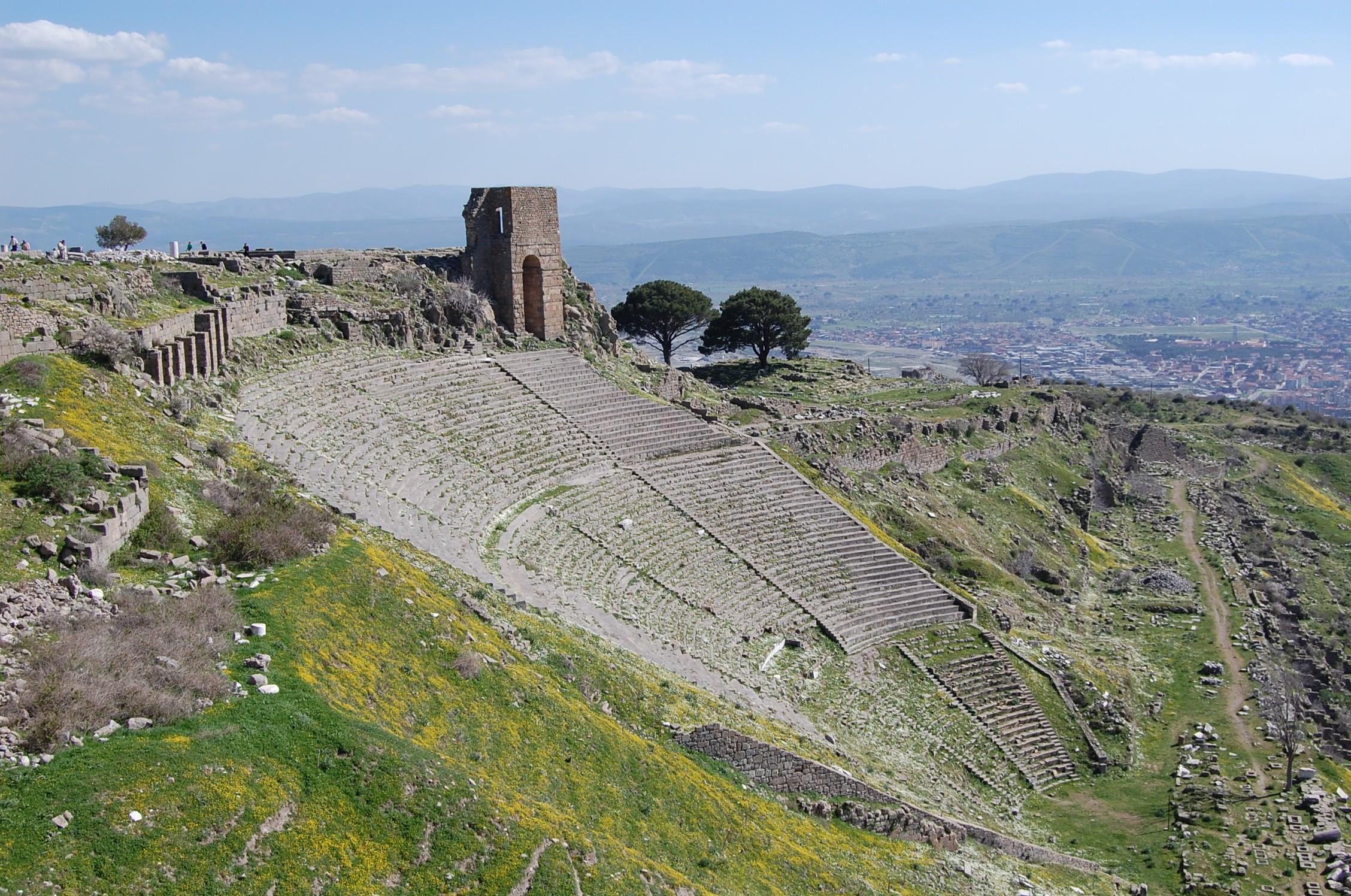 pergamum acropolis theatre